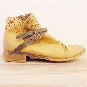 Roxy Tan Slip On Ankle Boots w/ Leather Strap